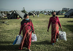 Women in Tundikhel IDP Camp, Kathmandu, Nepal, 2015. Credit: Pablo Tosco/Oxfam